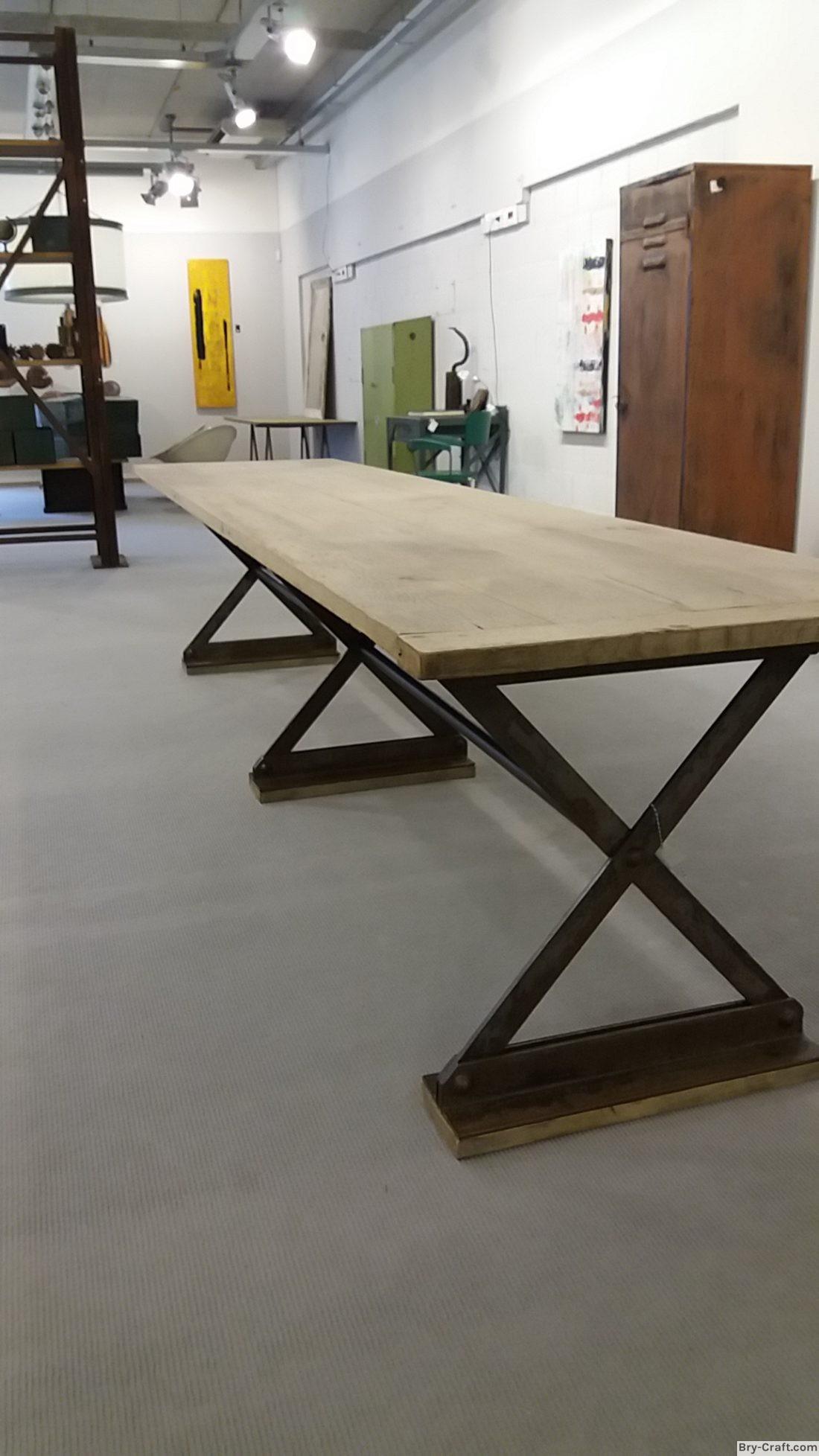 Grote industriële tafel houten deur blad met klinknagel